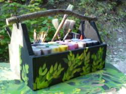 the paint side of the twig handled paint caddy