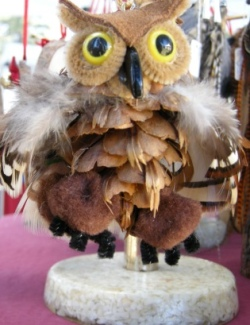 Forest Furniture in Lake Tahoe uses pine cones for some really fun crafts like this owl