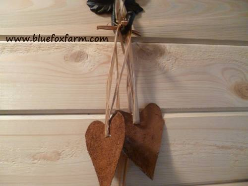 Hung on a decorative hook, a wreath or on the tree, these prim hearts make a great country accent...
