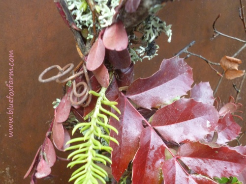 and to top it all off, a Rustic Garden Wreath in red tones...