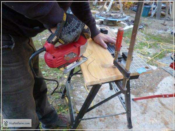 Cutting the parts of the Shabby Corbels with a jig saw