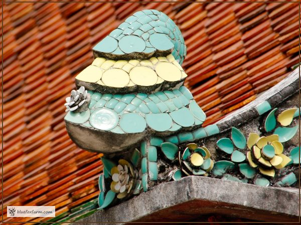 Mosaic Roof Decoration