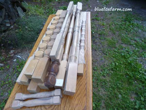 Spindles, balusters or decorative spools make great rustic angels