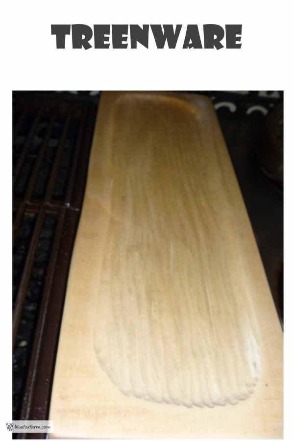 The fine grain of Populus tremuloides makes it perfect for carving in primitive treenware