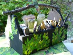 paintbrush side of the twig handled paint caddy